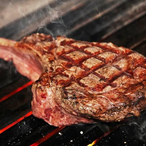 Tomahawk Steak a la parrilla